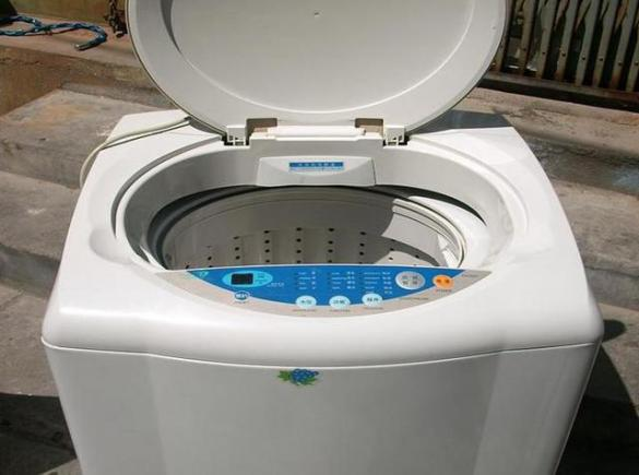维修洗衣机电动机不转,维修电源指示灯不亮,水位无法控制,洗衣机故障