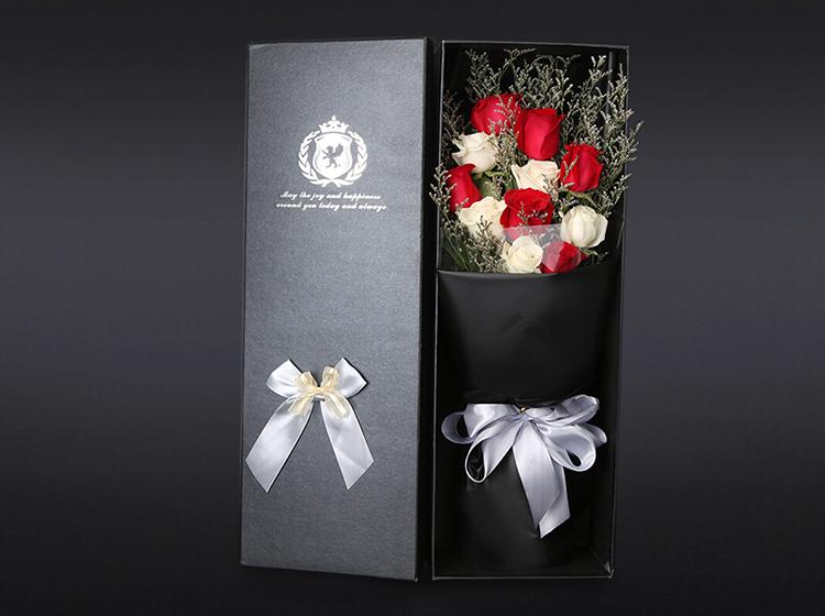 【心意】11枝红白玫瑰混搭礼盒